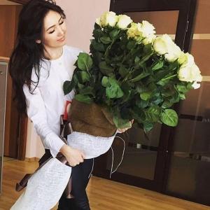 Голландские Розы 1м 51шт белые